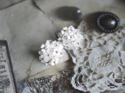 オートクチュールビーズ刺繍ジュエリー体験作品(小花のイヤリング・ピアス)